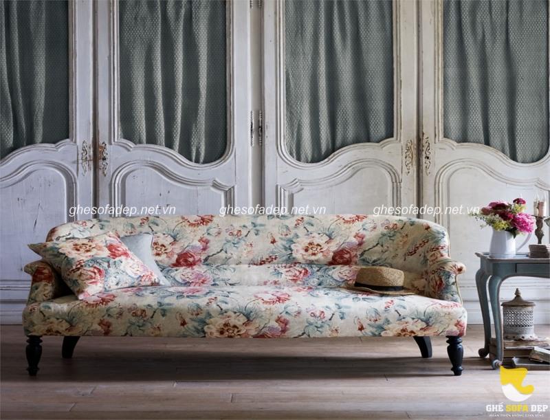 Sofa nhập khẩu với nhiều hoa văn mới lạ