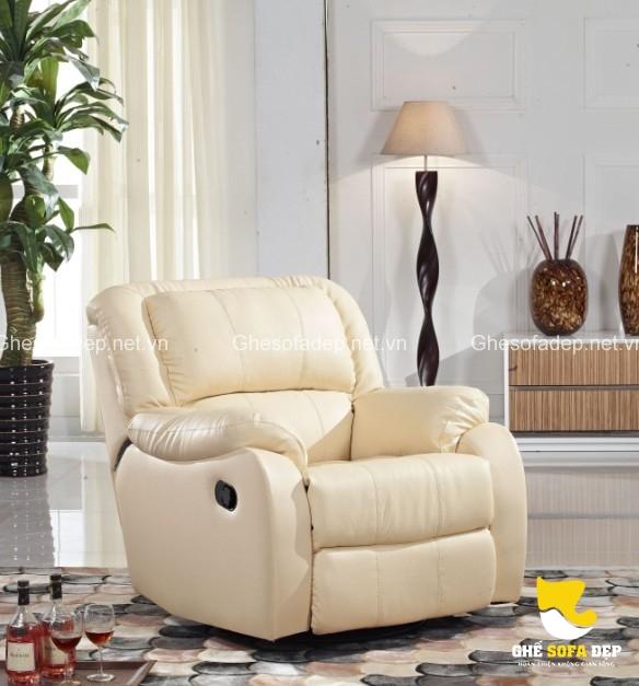 Sofa thư giãn đặt tại phòng khách thể hiện đẳng cấp chủ nhân căn hộ