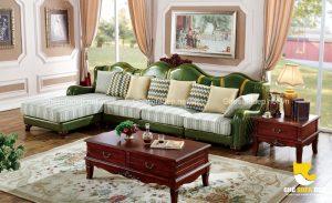 Vì là nhân vật chính của căn phòng mang phong cách hoài cổ, chiếc ghế sofa cổ điển sẽ cần những món độ nội thất trang trí đi kèm