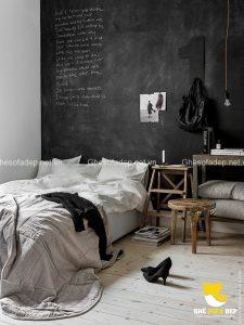 Chiếc tường bảng đen đầy phong cách trong phòng ngủ